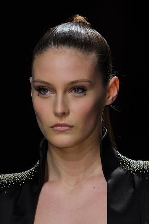 Показ Maxime Simoens коллекции сезона Весна-лето 2012 года Haute couture - www.elle.ru - Подиум - фото 333598