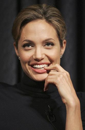 Анджелина Джоли тогда