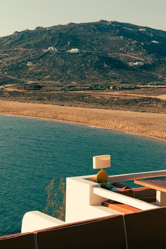 Охра и шафран: ресторан на Миконосе в ретро-гамме (галерея 8, фото 5)