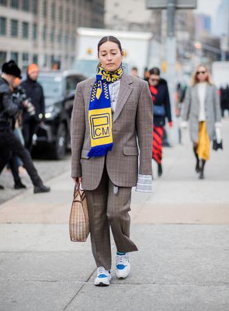 Что носят на Неделе моды в Нью-Йорке: 12 стритстайл-трендов (фото 25.2)