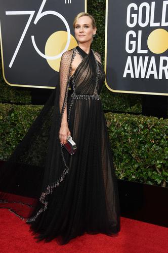 Женщины в черном: самые эффектные платья «Золотого глобуса» (фото 10)