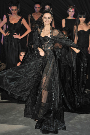 Показ Franck Sorbier коллекции сезона Весна-лето 2010 года Haute couture - www.elle.ru - Подиум - фото 138794