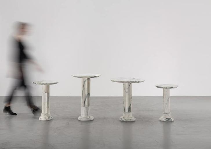 Выставка мебели Карла Лагерфельда в Париже (фото 7)
