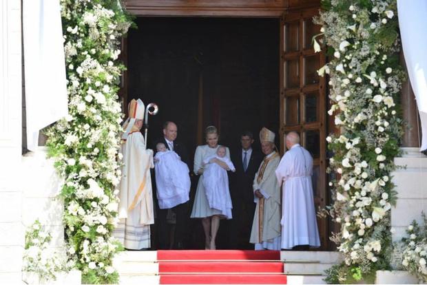 Фото дня: князь и княгиня Монако на крещении близнецов (фото 7)