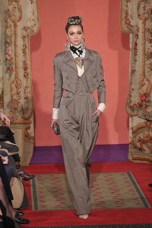 Показ Christian Lacroix коллекции сезона Весна-лето 2009 года haute couture - www.elle.ru - Подиум - фото 86461