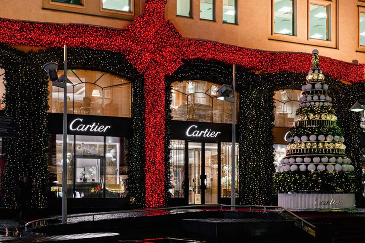 Рождественское оформление бутика Cartier на Петровке (фото 0)