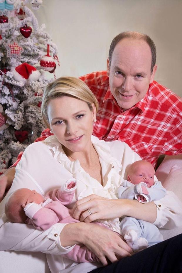 Князь Альбер II и принцесса Шарлен с детьми фото 2
