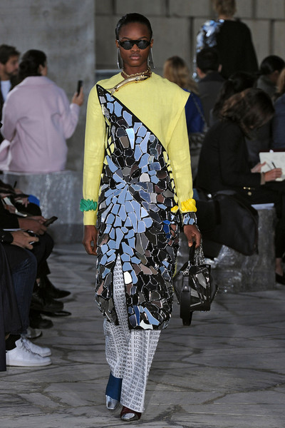 Неделя моды в Париже: день четвертый | галерея [1] фото [10]