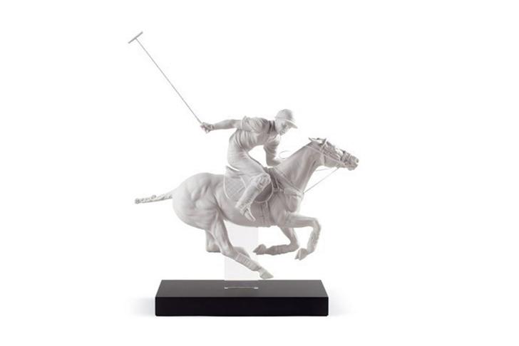 Скульптура «Игрок в поло», LLADRÓ, бутики LLADRÓ