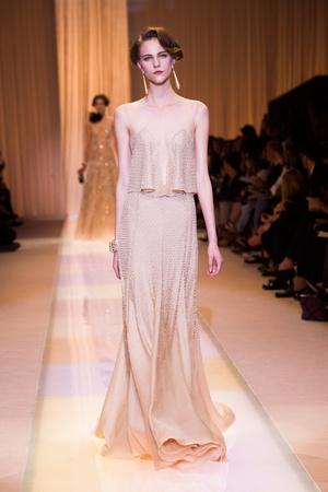 Показ Giorgio Armani Privé коллекции сезона Осень-зима 2013-2014 года haute couture - www.elle.ru - Подиум - фото 556404