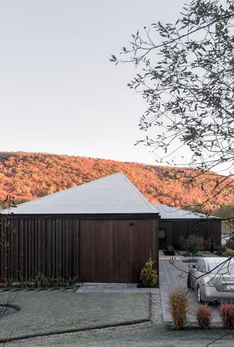 Осенняя соната: дом в поле по проекту Шевалье Моралеса (фото 1.1)