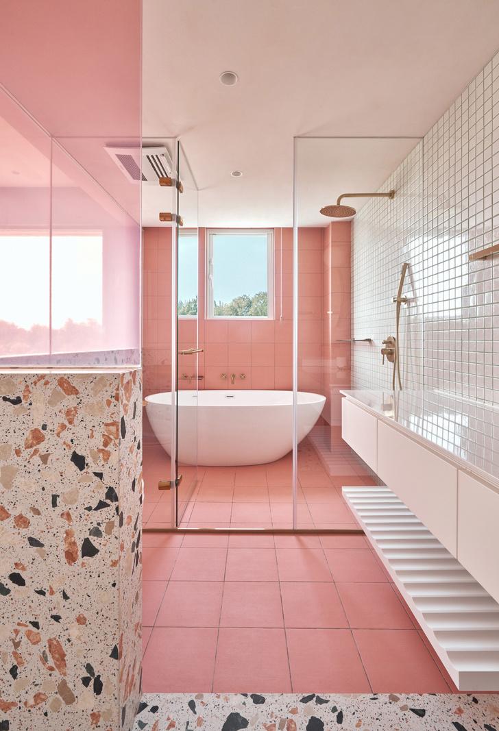 Розовый дом с комнатой для кошек на Тайване (фото 12)