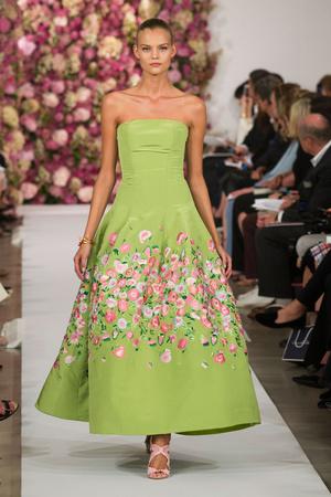 Показы мод Oscar de la Renta Весна-лето 2015 | Подиум на ELLE - Подиум - фото 4080