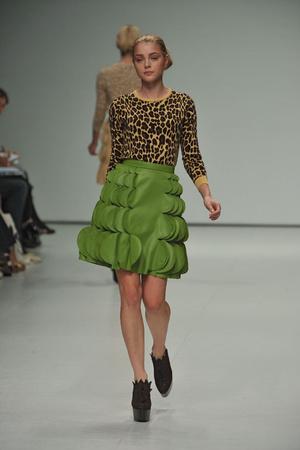 Показы мод Christopher Kane Весна-лето 2009 | Подиум на ELLE - Подиум - фото 3406