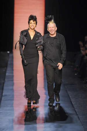 Показ Jean Paul Gaultier коллекции сезона Весна-лето 2011 года Haute couture - www.elle.ru - Подиум - фото 217249