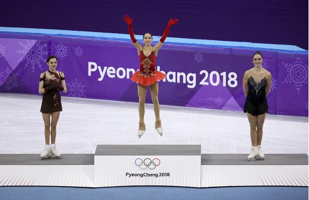 Российские фигуристки одержали победу на Олимпиаде в Пхенчхане (фото 6)