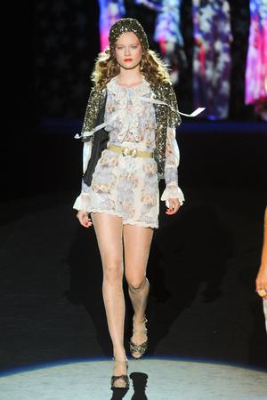 Показ Anna Sui коллекции сезона Весна-лето 2012 года prêt-à-porter - www.elle.ru - Подиум - фото 296636