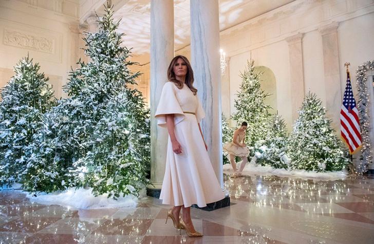 Мелания Трамп украсила Белый Дом к Рождеству фото [1]
