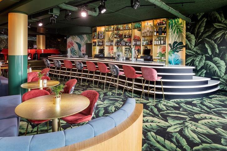 «Безумный» бар Crazy Pianos в Гааге (фото 5)