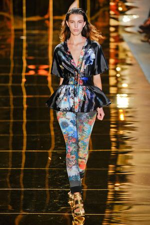 Показы мод Cynthia Rowley Весна-лето 2012 | Подиум на ELLE - Подиум - фото 2070