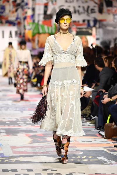 В Париже прошел показ Dior осень-зима 2018-19 (галерея 3, фото 52)