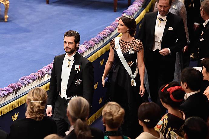 Принц Карл Филипп и принцесса София на приеме в честь лауреатов Нобелевской премии в декабре 2015