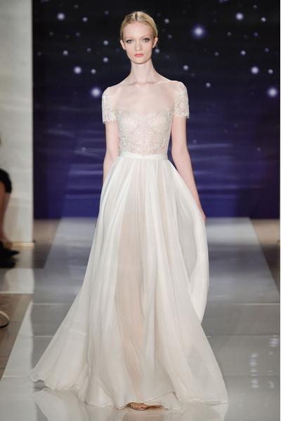 50 самых красивых платьев со Свадебной Недели Моды в Нью-Йорке | галерея [1] фото [19]