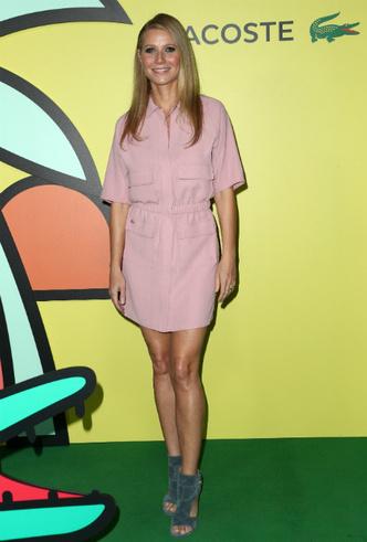 Гвинет Пэлтроу в коротком розовом платье фото [2]