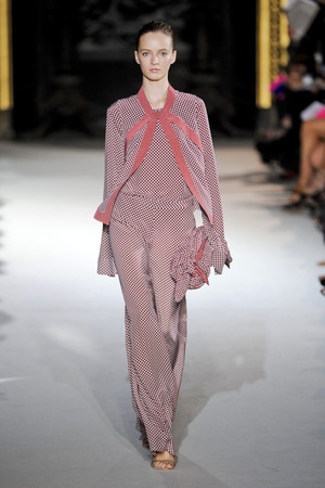 Показы мод Stella McCartney Весна-лето 2012 | Подиум на ELLE - Подиум - фото 1792