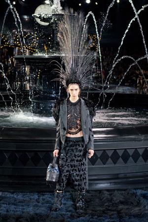 Показ Louis Vuitton коллекции сезона Весна-лето 2014 года Prêt-à-porter - www.elle.ru - Подиум - фото 572338