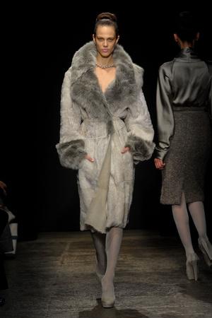 Показ Donna Karan коллекции сезона Осень-зима 2011-2012 года prêt-à-porter - www.elle.ru - Подиум - фото 229715