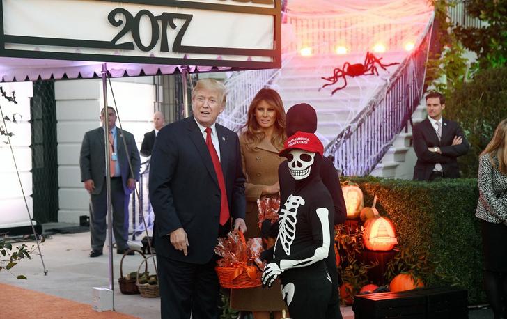 Дональд и Мелания Трамп отметили Хэллоуин в Белом доме фото [3]