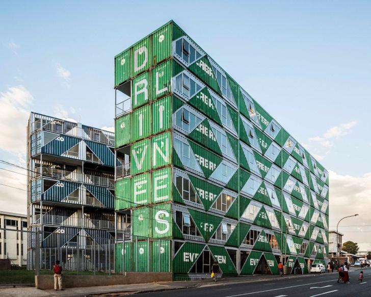 Дома из грузовых контейнеров: вдохновляющие примеры (фото 0)