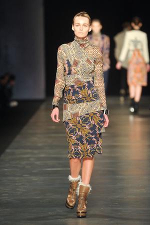 Показы мод Etro Осень-зима 2011-2012 | Подиум на ELLE - Подиум - фото 2232