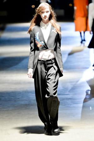 Показы мод Giles Осень-зима 2014-2015 | Подиум на ELLE - Подиум - фото 3896