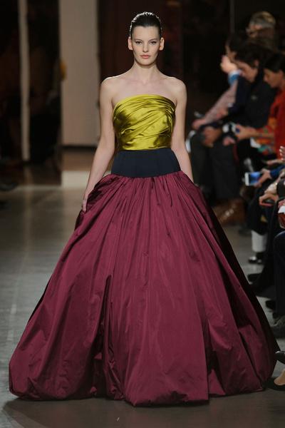 Показ Oscar de la Renta на Неделе моды в Нью-Йорке | галерея [1] фото [2]