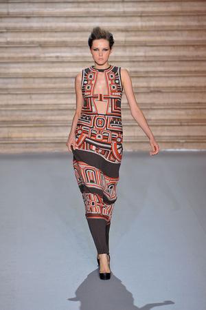 Показ Stephane Rolland коллекции сезона Осень-зима 2009-2010 года haute couture - www.elle.ru - Подиум - фото 88343
