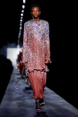 Givenchy RTW Fall 2019 (фото 1.2)