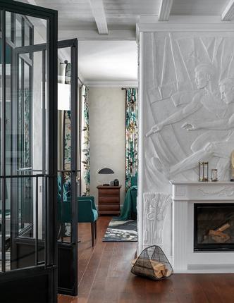 Отдохнете на природе: загородный дом 250 м² с барельефами и камином (фото 5.2)