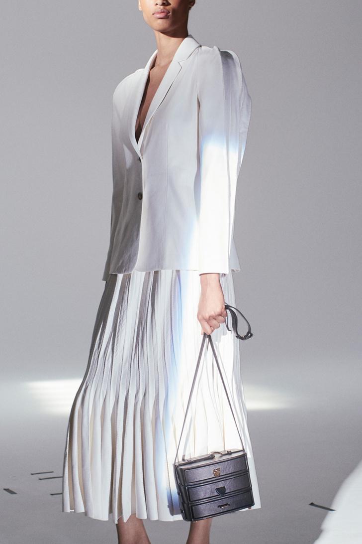 Инструкция: 5 свежих способов носить белоснежные вещи (фото 5)