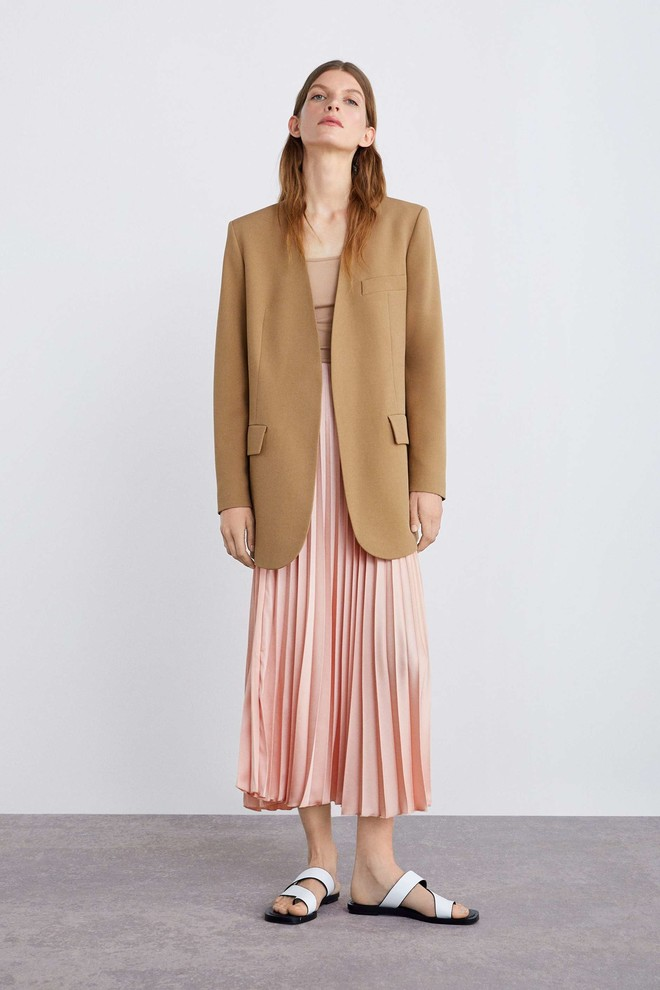 Какую юбку мы будем носить этим летом? Плиссированную! (фото 12)