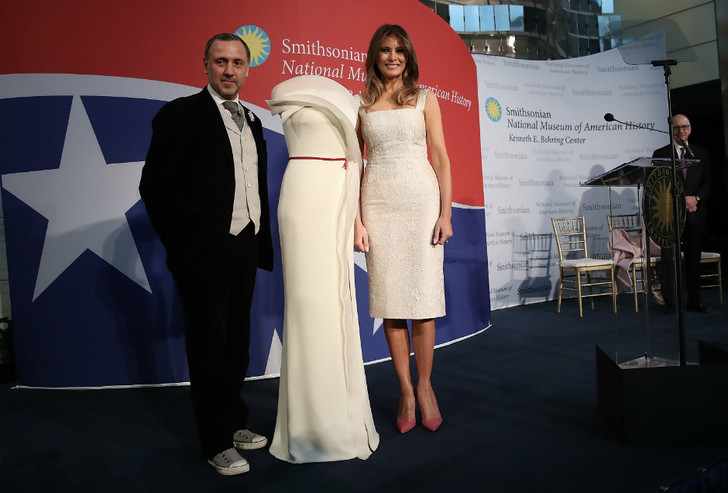 Платье Мелании Трамп на инаугурации