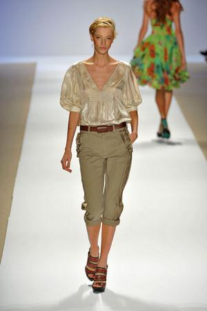 Показы мод Nanette Lepore Весна-лето 2009 | Подиум на ELLE - Подиум - фото 3450