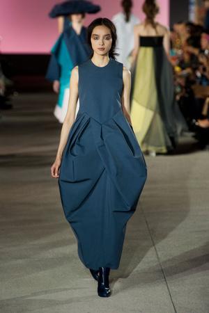 Показы мод John Galliano Весна-лето 2013 | Подиум на ELLE - Подиум - фото 1008