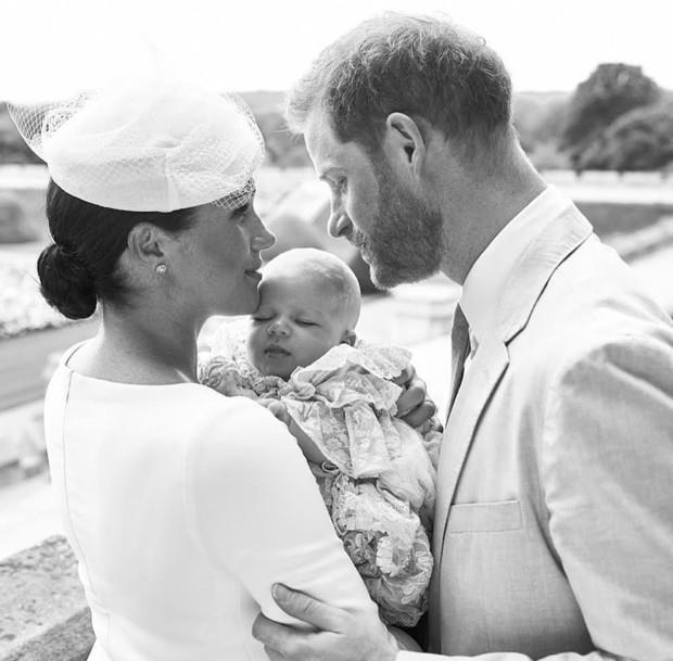 Самый милый при дворе: первый год жизни сына Меган и Гарри в 10 фотографиях (фото 15)