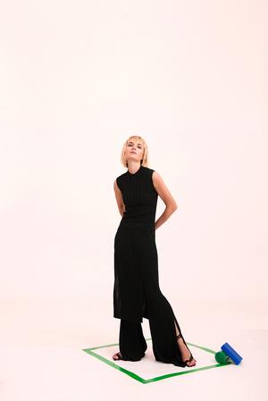Как носить вещи из подиумной коллекции H&M Studio SS18? (фото 1)