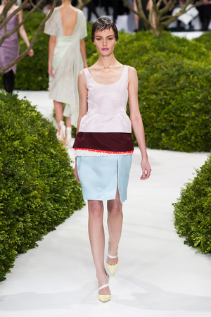 Показ Christian Dior коллекции сезона Весна-лето 2013 года Haute couture - www.elle.ru - Подиум - фото 477473