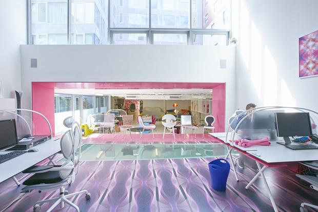 Офисная мебель по дизайну Карима Рашида (фото 4)
