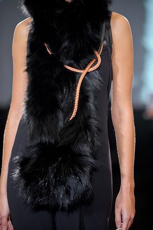 Показ Atelier Gustavo Lins коллекции сезона Осень-зима 2011-2012 года haute couture - www.elle.ru - Подиум - фото 278196