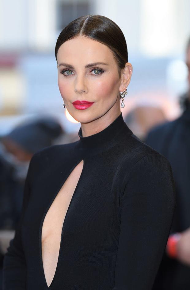 Неожиданное признание Шарлиз Терон об Анджелине Джоли (фото 1)
